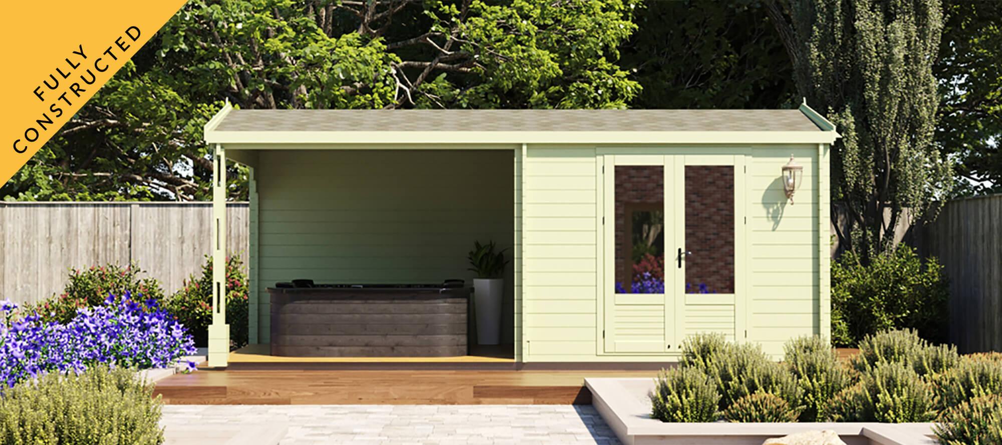 Garden building with outdoor area